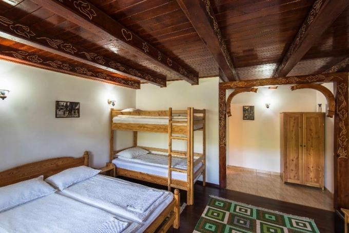 Cameră dublă (+ 1 pat supraetajat)