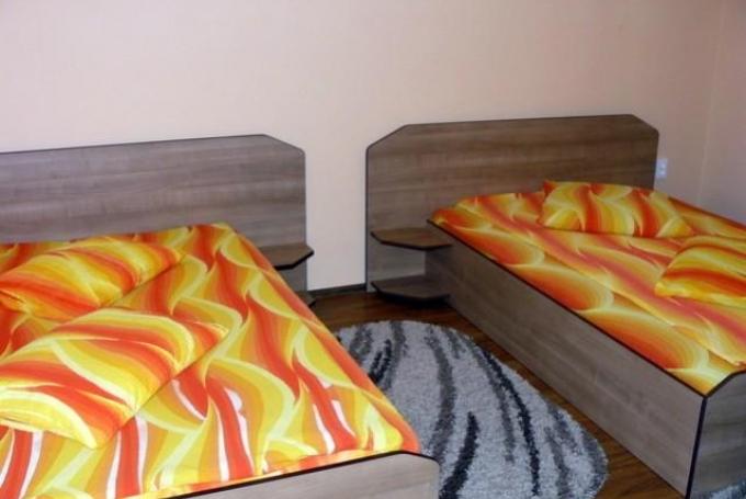 Cameră cu 2 paturi duble
