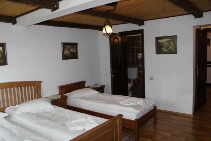 Cameră triplă (cu pat suplimentar)