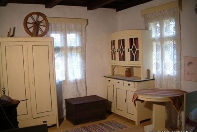 Cameră cu șase locuri