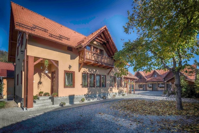 Casa de oaspeți Csűr