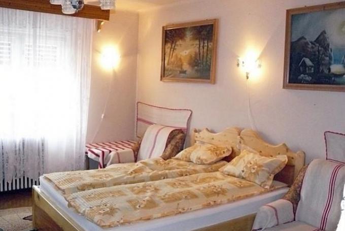 Franciaágyas + 2 szimpla ágy