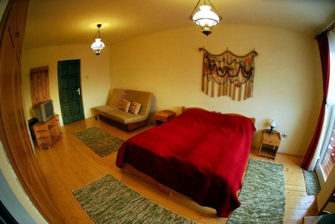 10 ágyas szoba